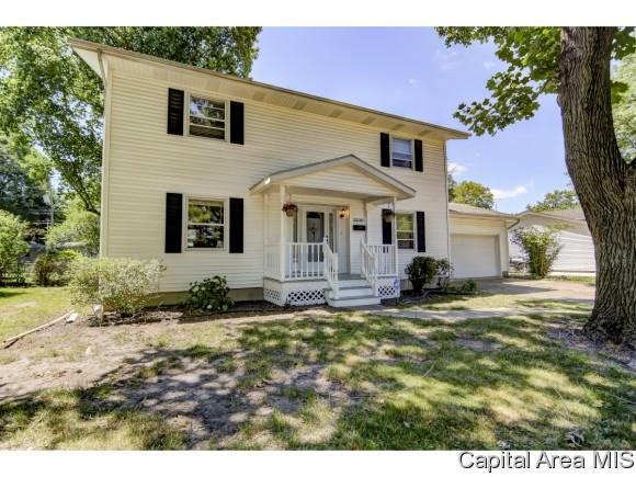 2230 Lynnhaven Dr, Springfield, IL 62704 (MLS #181047) :: Killebrew & Co Real Estate Team