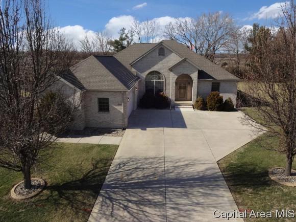 8301 Iron Horse Ln, Springfield, IL 62712 (MLS #181130) :: Killebrew & Co Real Estate Team