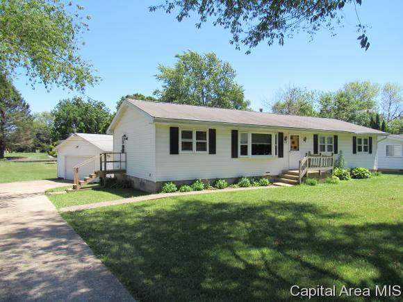 287 N Taylor St, Wataga, IL 61488 (MLS #181181) :: Killebrew & Co Real Estate Team