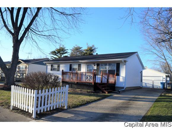 2329 Sutherland Rd, Springfield, IL 62702 (MLS #181218) :: Killebrew & Co Real Estate Team