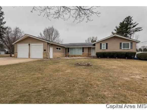 3328 Oxford Ln, Galesburg, IL 61401 (MLS #181257) :: Killebrew & Co Real Estate Team