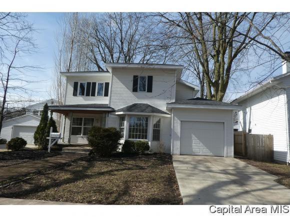209 Hudson Street, Lincoln, IL 62656 (MLS #181302) :: Killebrew & Co Real Estate Team