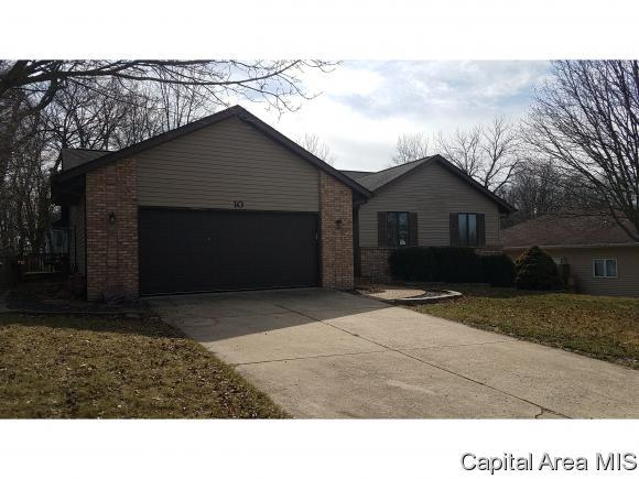 10 Belridge, Williamsville, IL 62684 (MLS #181368) :: Killebrew & Co Real Estate Team