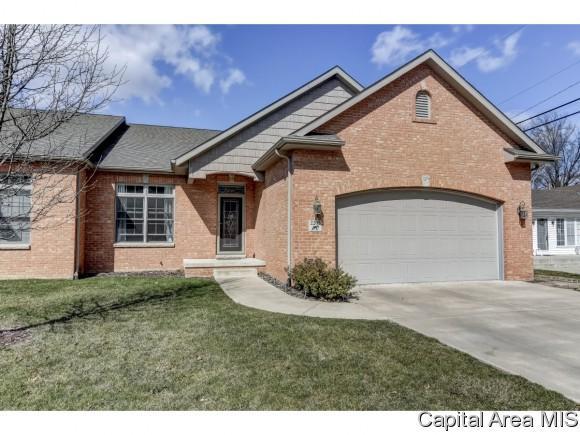 2205 Charlack, Springfield, IL 62704 (MLS #181428) :: Killebrew & Co Real Estate Team