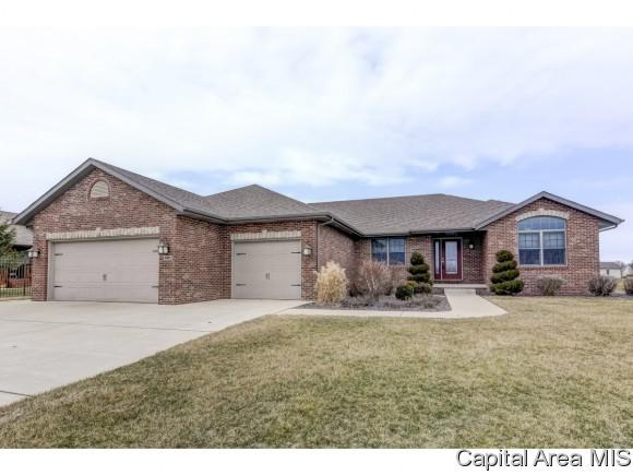 2001 Hurstbourne Ln, Chatham, IL 62629 (MLS #181445) :: Killebrew & Co Real Estate Team