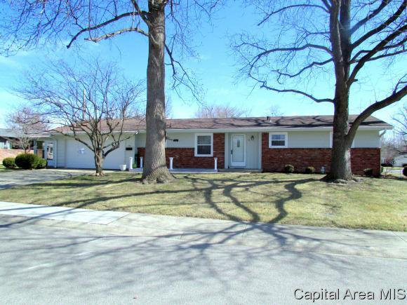 56 Marian, Springfield, IL 62704 (MLS #181463) :: Killebrew & Co Real Estate Team