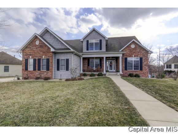 214 Cumberland Dr, Rochester, IL 62563 (MLS #181482) :: Killebrew & Co Real Estate Team