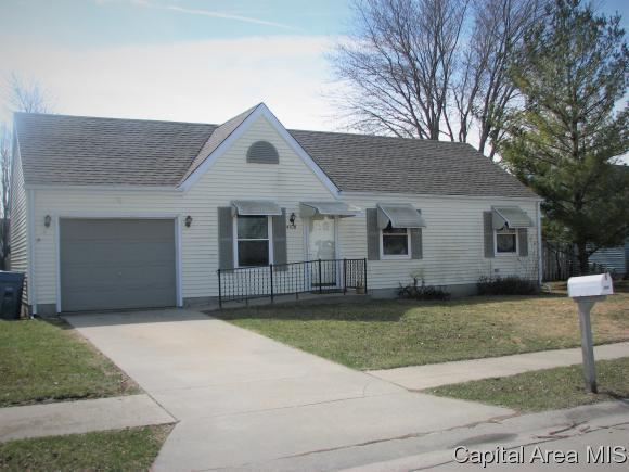 4108 Grimik Dr, Springfield, IL 62707 (MLS #181525) :: Killebrew & Co Real Estate Team