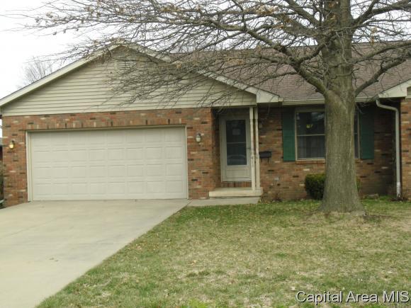 414 Westwinds Dr, Jacksonville, IL 62650 (MLS #181561) :: Killebrew & Co Real Estate Team