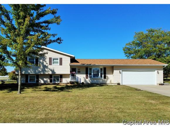 297 W. Sunnyview Ave., Knoxville, IL 61448 (MLS #181582) :: Killebrew & Co Real Estate Team