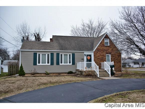 409 W Michigan Ave, South Jacksonville, IL 62650 (MLS #181609) :: Killebrew & Co Real Estate Team