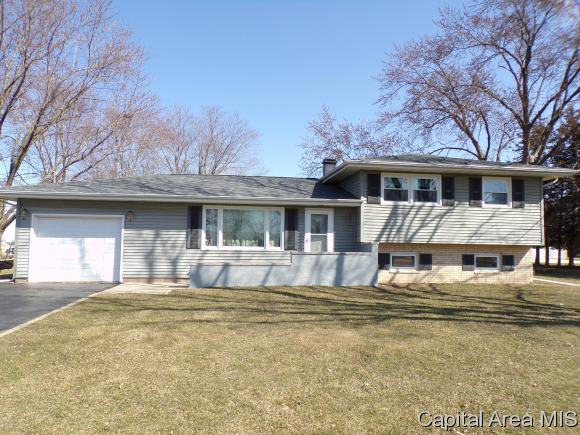 507 N Hebard St, Knoxville, IL 61448 (MLS #181632) :: Killebrew & Co Real Estate Team