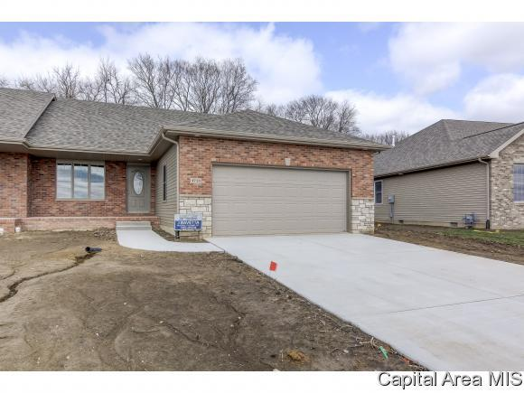4713 Bellevue Dr, Springfield, IL 62711 (MLS #181704) :: Killebrew & Co Real Estate Team