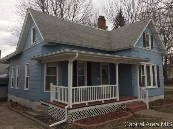 418 E 2ND AVE, Monmouth, IL 61462 (MLS #181721) :: Killebrew & Co Real Estate Team