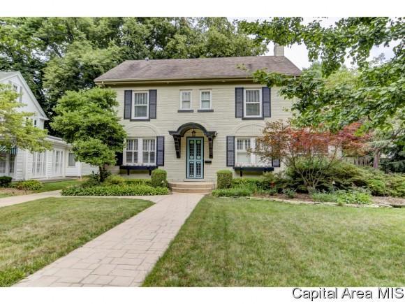 1800 Bates Avenue, Springfield, IL 62704 (MLS #181754) :: Killebrew & Co Real Estate Team