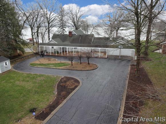 62 N Fox Mill Ln, Springfield, IL 62712 (MLS #181824) :: Killebrew & Co Real Estate Team