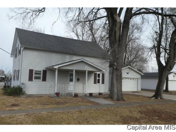 122 W Adams St, Auburn, IL 62615 (MLS #181850) :: Killebrew & Co Real Estate Team