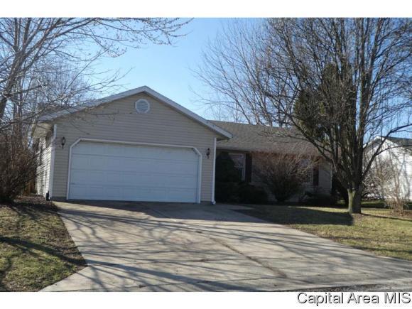 106 N Heather Lane, Auburn, IL 62615 (MLS #181944) :: Killebrew & Co Real Estate Team