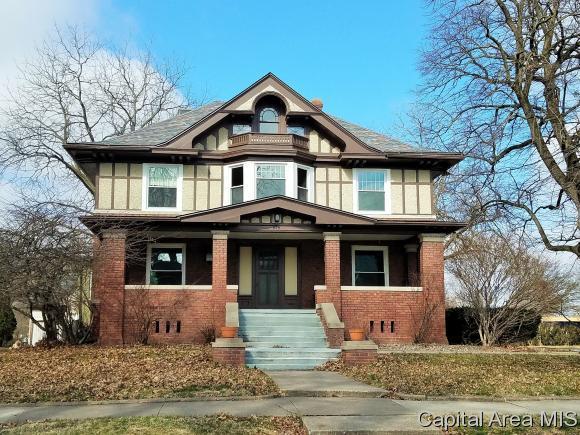 816 N Academy St., Galesburg, IL 61401 (MLS #181958) :: Killebrew & Co Real Estate Team