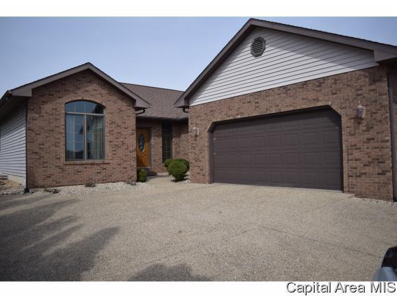 32 Applebee Farms, Jacksonville, IL 62650 (MLS #181962) :: Killebrew & Co Real Estate Team