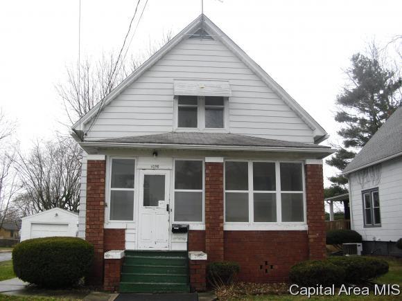 1098 S Pearl St., Galesburg, IL 61401 (MLS #181992) :: Killebrew & Co Real Estate Team