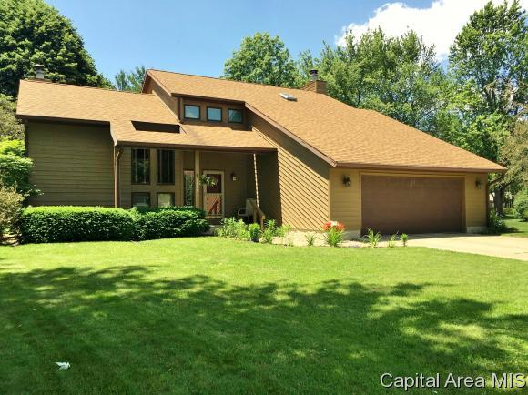 1880 Clark Street, Galesburg, IL 61401 (MLS #181996) :: Killebrew & Co Real Estate Team