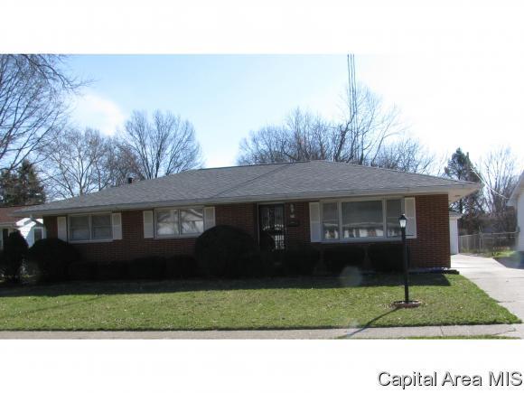 216 Dickinson Rd, Springfield, IL 62704 (MLS #182004) :: Killebrew & Co Real Estate Team