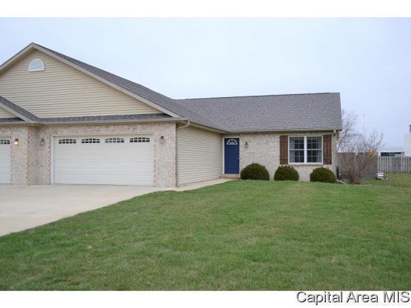 18 Applebee Farm Dr, Jacksonville, IL 62650 (MLS #182022) :: Killebrew & Co Real Estate Team