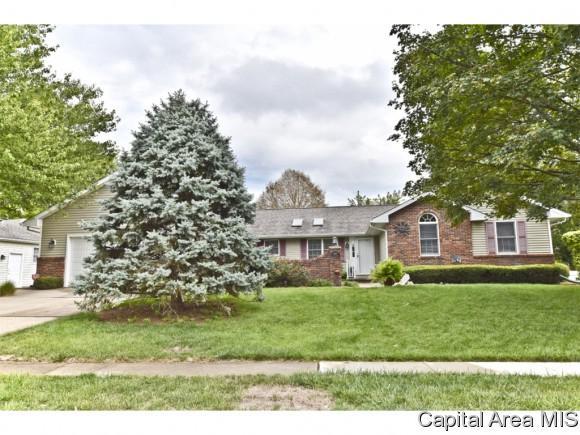 3104 Kensington, Springfield, IL 62702 (MLS #182030) :: Killebrew & Co Real Estate Team