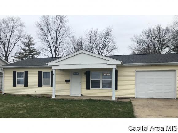 17 County Road, Chatham, IL 62629 (MLS #182044) :: Killebrew & Co Real Estate Team