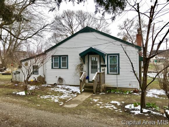 122 N 3RD WEST ST, Virginia, IL 62691 (MLS #182047) :: Killebrew & Co Real Estate Team