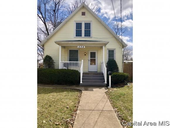 234 W North St, Galesburg, IL 61401 (MLS #182080) :: Killebrew & Co Real Estate Team
