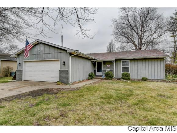 2633 Sarona, Springfield, IL 62704 (MLS #182088) :: Killebrew & Co Real Estate Team