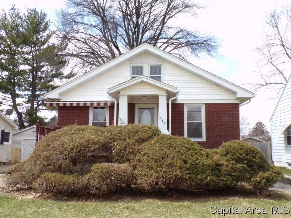 156 Highland Ave, Galesburg, IL 61401 (MLS #182099) :: Killebrew & Co Real Estate Team