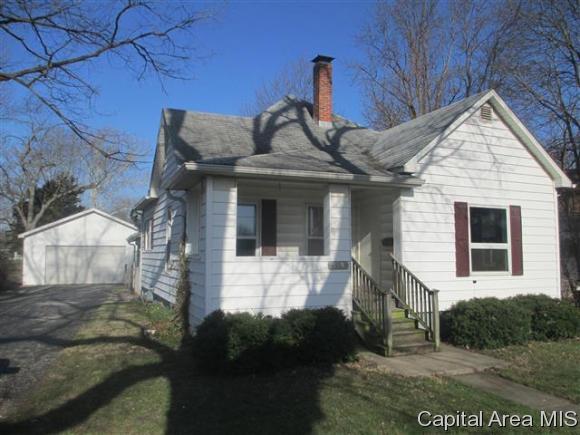 535 N Webster Ave, Jacksonville, IL 62650 (MLS #182109) :: Killebrew & Co Real Estate Team