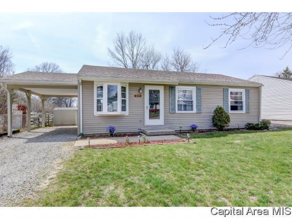 301 Water St, Rochester, IL 62563 (MLS #182167) :: Killebrew & Co Real Estate Team