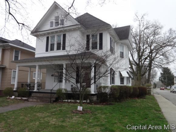 721 W State, Jacksonville, IL 62650 (MLS #182173) :: Killebrew & Co Real Estate Team