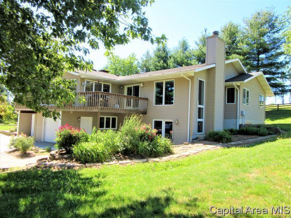 8187 Thomas Road, Rochester, IL 62563 (MLS #182177) :: Killebrew & Co Real Estate Team