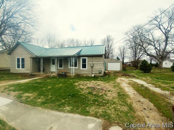 145 E Washington St, ROSEVILLE, IL 61473 (MLS #182200) :: Killebrew & Co Real Estate Team