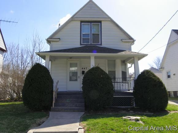 447 Maple, Galesburg, IL 61401 (MLS #182316) :: Killebrew & Co Real Estate Team