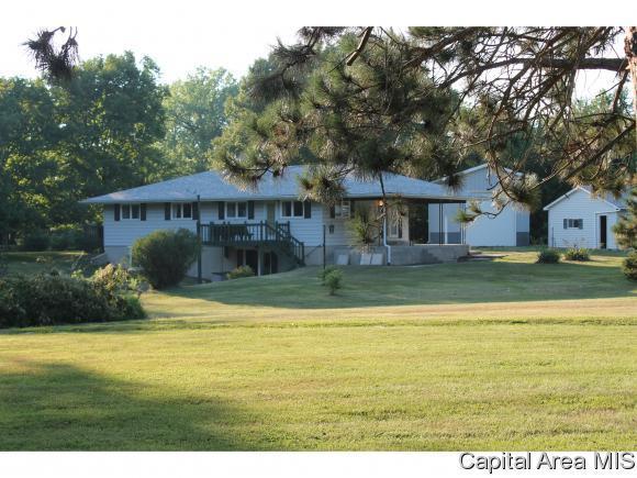 6180 Chicken Bristle Rd, Rochester, IL 62563 (MLS #182360) :: Killebrew & Co Real Estate Team