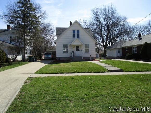 1725 N Prairie St, Galesburg, IL 61401 (MLS #182372) :: Killebrew & Co Real Estate Team