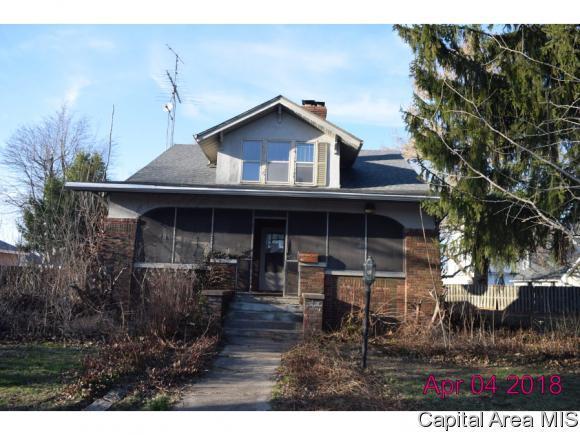 121 W Hill St, Virden, IL 62690 (MLS #182411) :: Killebrew & Co Real Estate Team