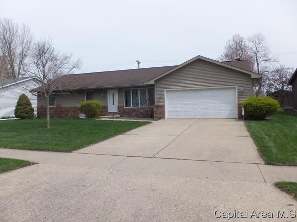 8116 Hunt Rd, Springfield, IL 62712 (MLS #182416) :: Killebrew & Co Real Estate Team