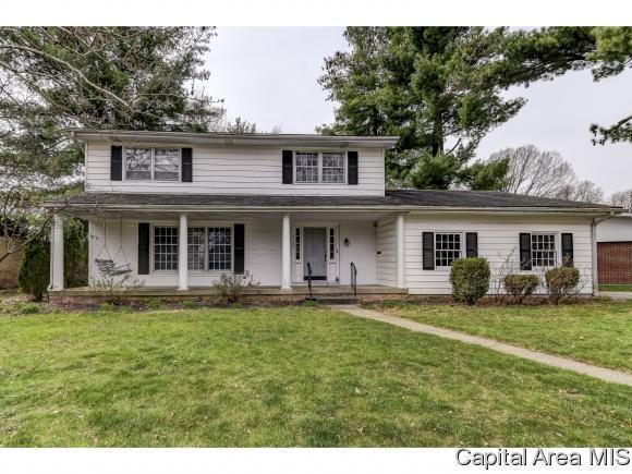 2106 Briarcliff Dr, Springfield, IL 62704 (MLS #182429) :: Killebrew & Co Real Estate Team