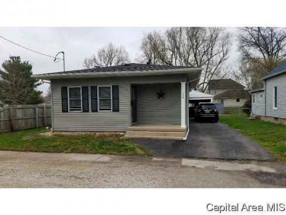 114 E Jefferson St, Auburn, IL 62615 (MLS #182519) :: Killebrew & Co Real Estate Team