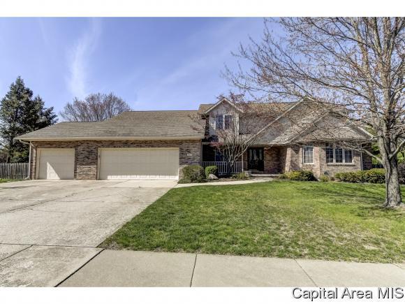 1 Maplehurst Dr, Rochester, IL 62563 (MLS #182646) :: Killebrew & Co Real Estate Team