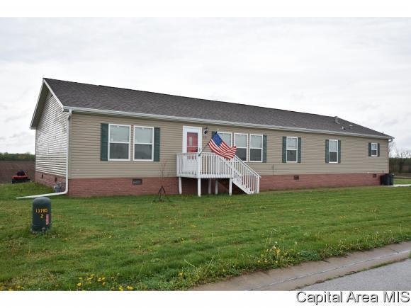 111 Prairie Cove, Jacksonville, IL 62650 (MLS #182658) :: Killebrew & Co Real Estate Team