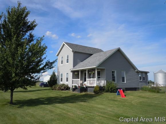 873 105th, Berwick, IL 61417 (MLS #182660) :: Killebrew & Co Real Estate Team