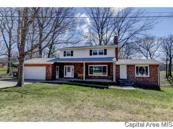 232 S 8th St, Riverton, IL 62561 (MLS #182679) :: Killebrew & Co Real Estate Team